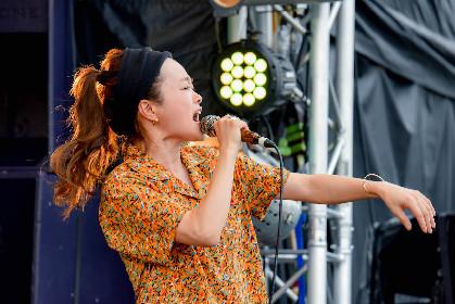 NakamuraEmi『RUSH BALL 2019』クイックレポート ーー緩やかながらしっかりと突き刺さる歌、ジャンルなんか、どうでもいいと思わせたライブ