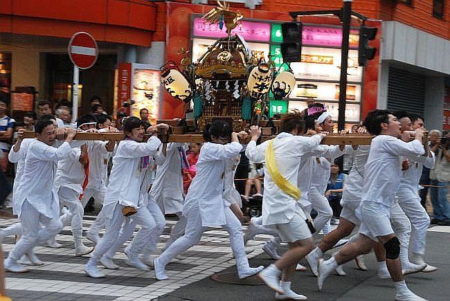 29日に行われる「自治会みこしパレード」