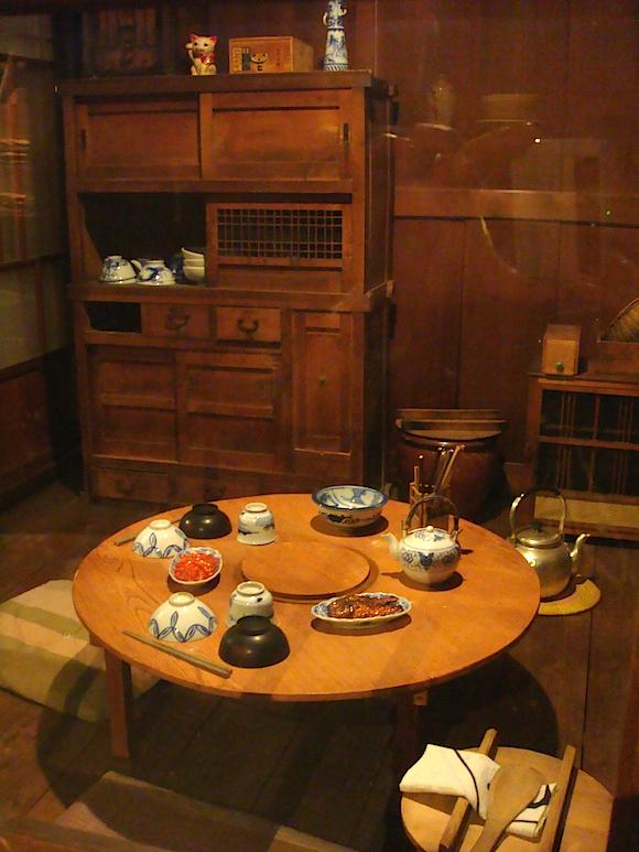 昭和の食卓が再現された部屋も