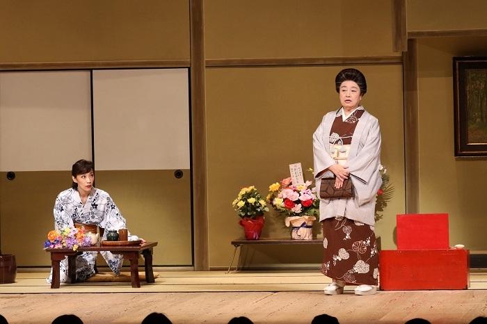 (左から)真琴つばさ・三林京子