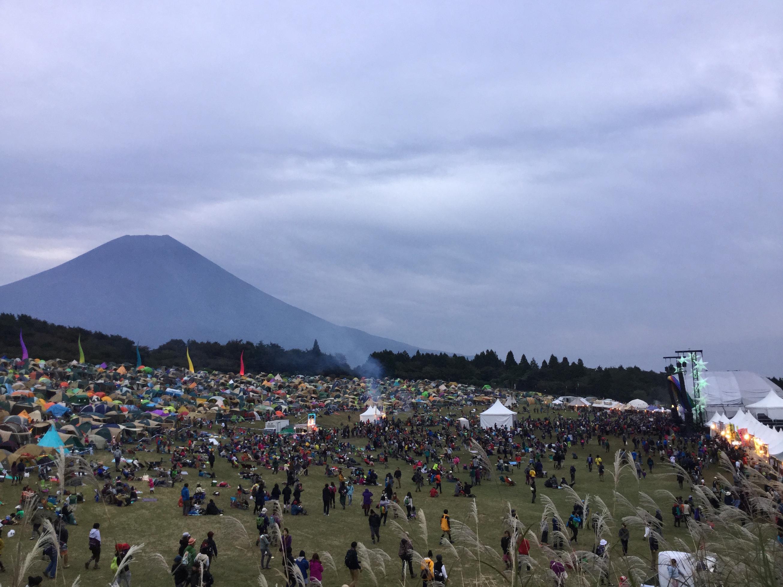 富士山と会場内の様子