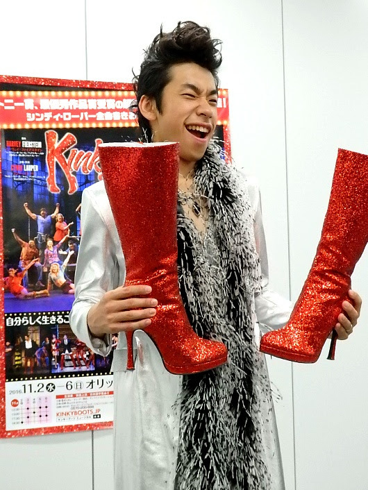 来日版ミュージカル『キンキーブーツ』大阪公演スペシャルプレゼンターに就任した織田信成(撮影/石橋法子)