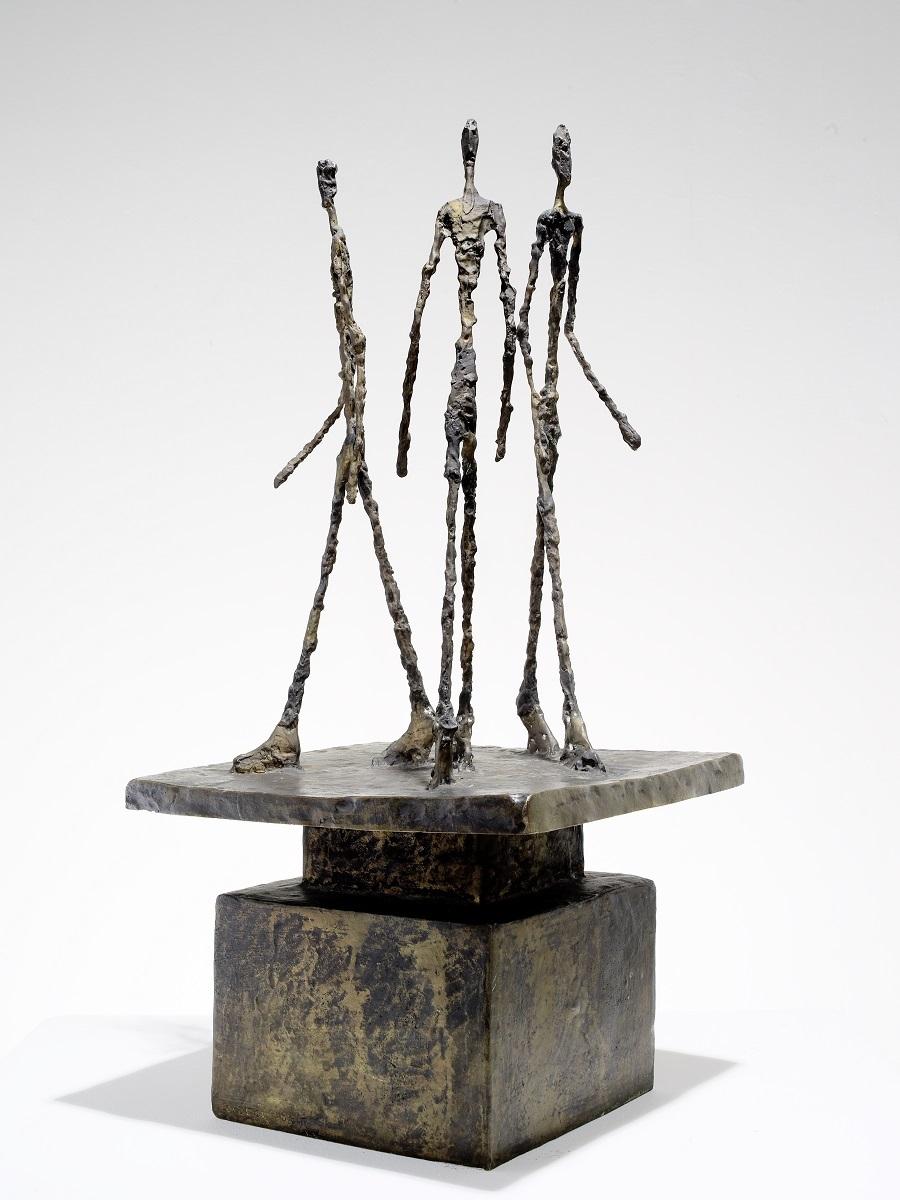 アルベルト・ジャコメッティ《3人の男のグループ(3人の歩く男たち)》 1948/49年 ブロンズ マルグリット&エメ・マーグ財団美術館、サン=ポール・ド・ヴァンス Archives Fondation Maeght, Saint-Paul de Vence (France)