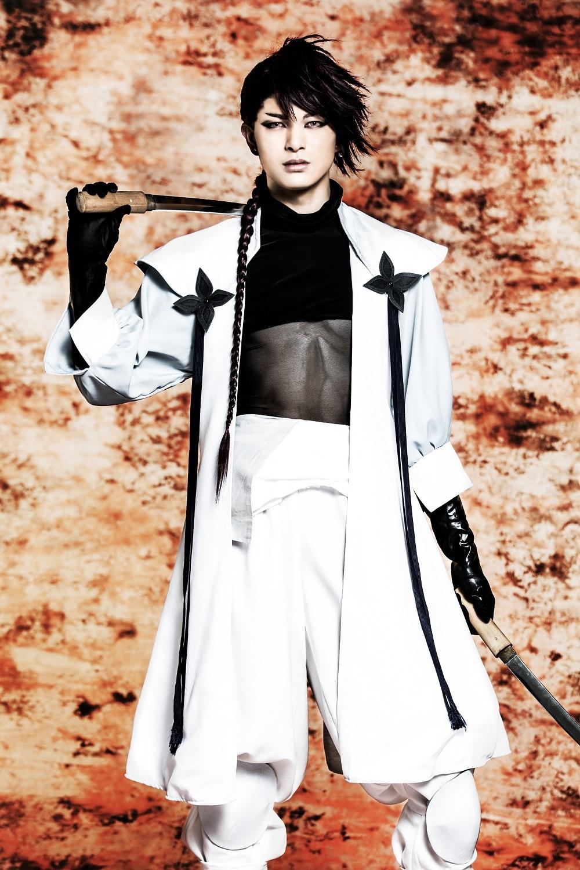 遊⾺晃祐(服部半蔵 役) (C) 霜⽉かいり・KADOKAWA / 2018 舞台「BRAVE10〜燭〜」製作委員会