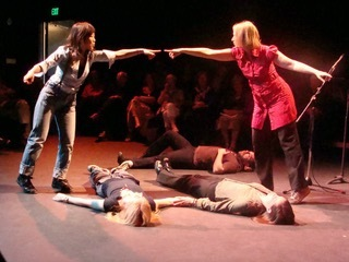 「Orcas Island Project」による即興演劇の舞台写真(アメリカ)