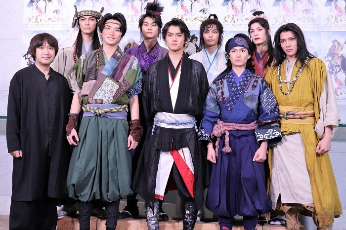 (前列左から)深作健太、岐洲匠、佐野勇斗、松田凌、財木琢磨、(後列左から)上田堪大、結木滉星、神尾楓珠、塩野瑛久