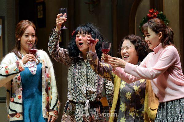(写真左から)モニカ役のソ・ユジン、ジャスミン役のぺ・ジョンオク、ソフィア役のイ・ソンジュ、ジーナ役のキム・ボジョン