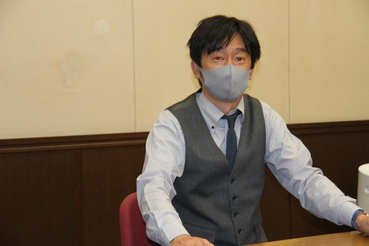 バリトン歌手 西尾岳史     (C)H.isojima
