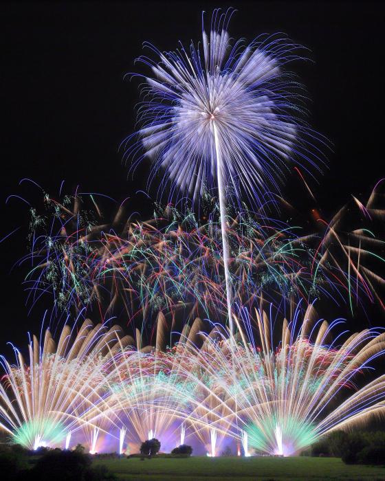 夏の風物詩の花火大会はゆったりと有料観覧席で観たい!オススメ関東開催花火大会16 選