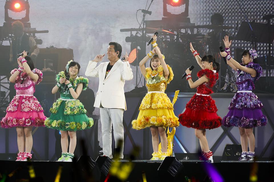 ももいろクローバーZ、加山雄三  Photo by HAJIME KAMIIISAKA+Z