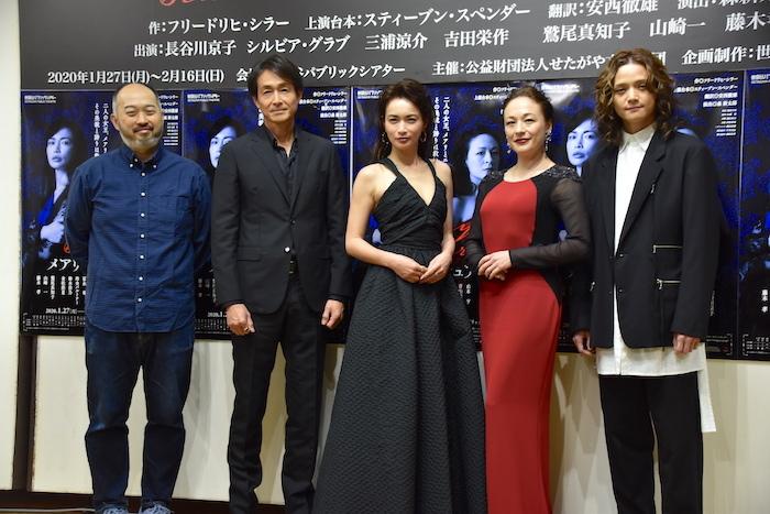 演出の森新太郎、出演者の吉田栄作、長谷川京子、シルビア・グラブ、三浦涼介(左から)