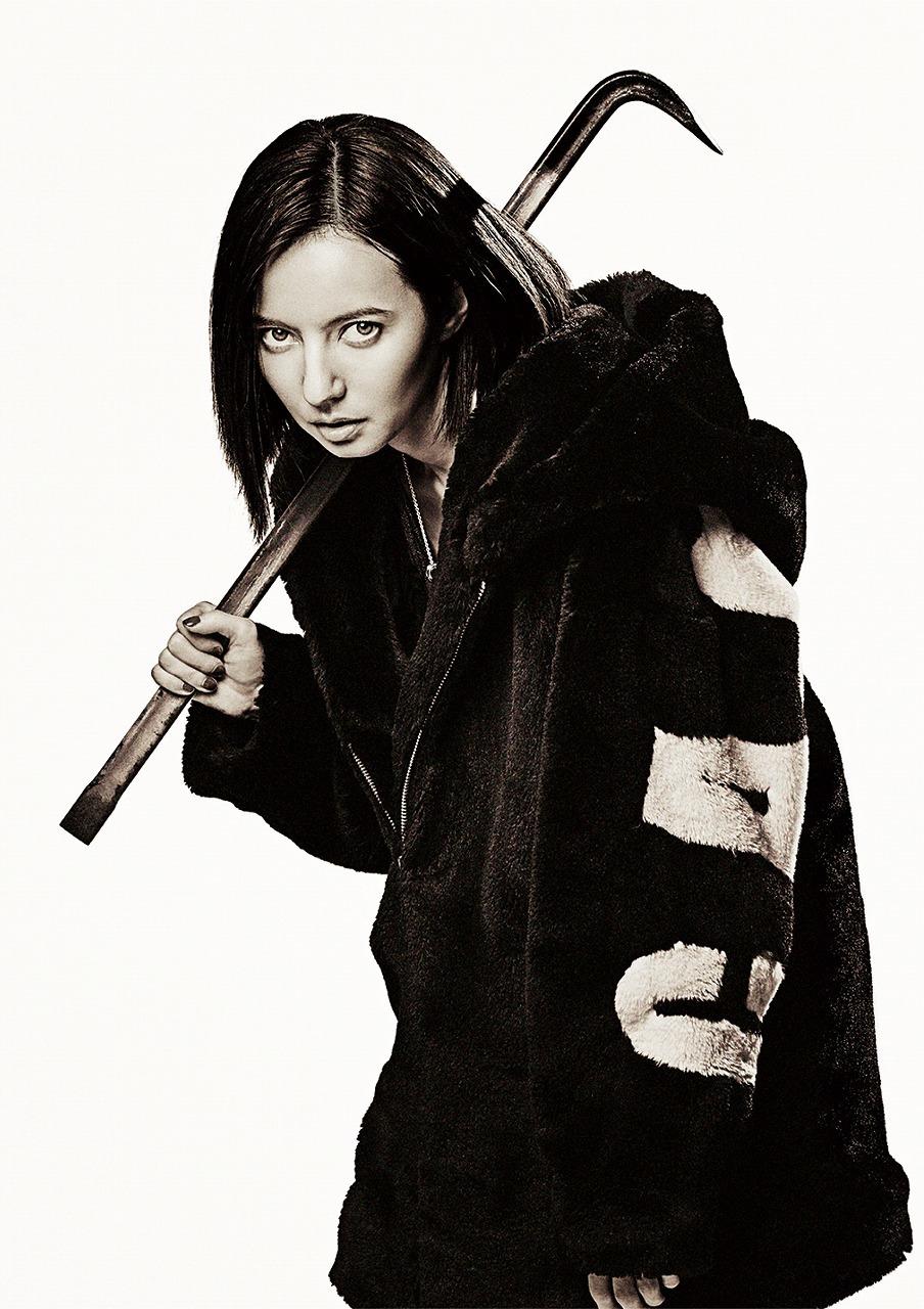 ヤクザの一員であるヤス(三浦貴大)の彼女。見た目に反して純粋で、一度キレたら止まらない。 (C)2020「初恋」製作委員会(C)2020「初恋」製作委員会