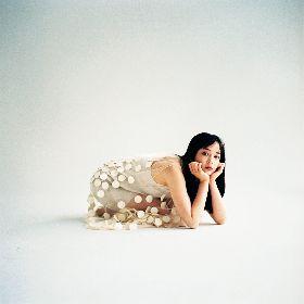 女優・広瀬すずの自然体の姿をモーガン茉愛羅が撮影 『広瀬すず2021年カレンダー』発売が決定