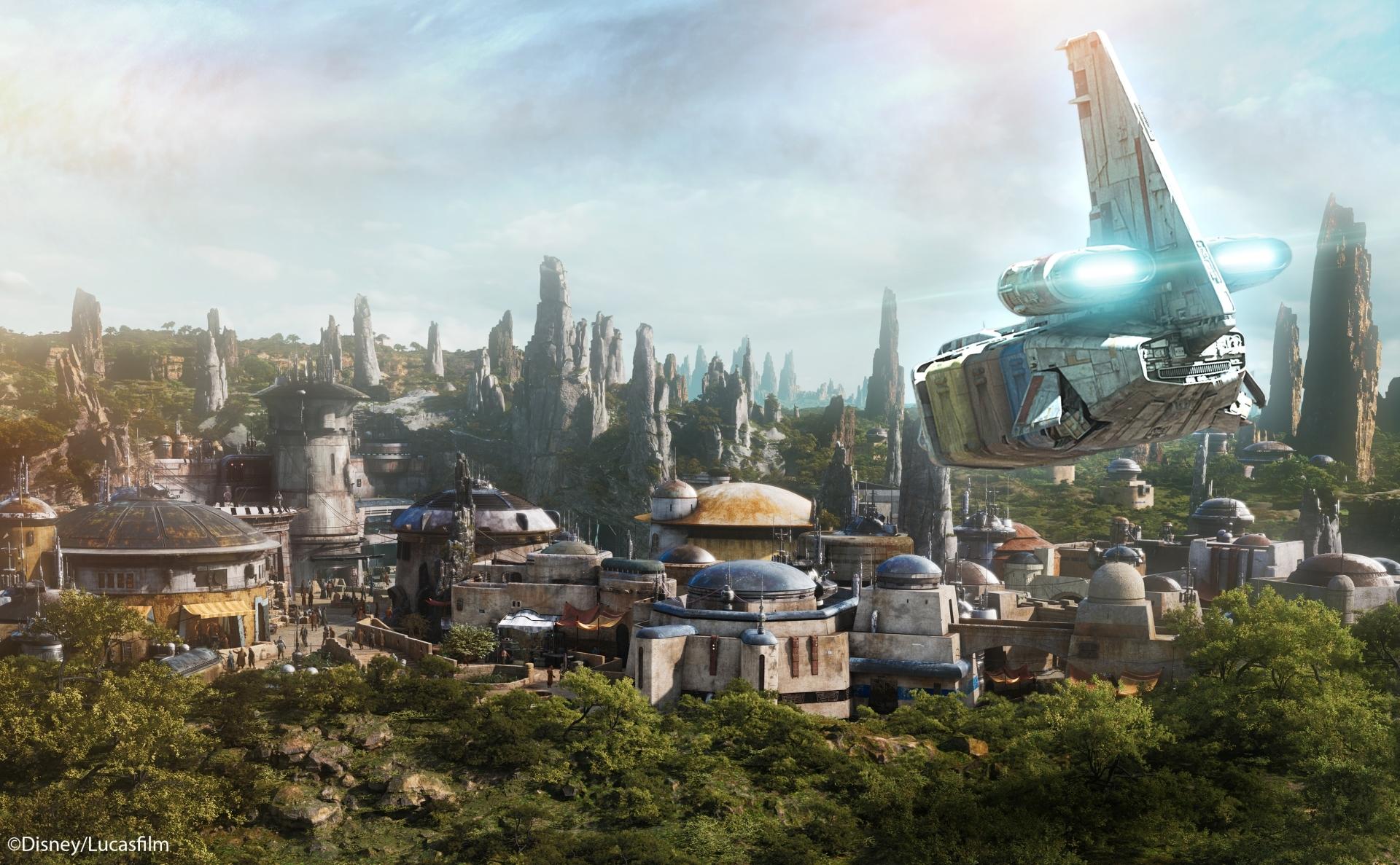 「スター・ツアーズ:ザ・アドベンチャーズ・コンティニュー」 イメージ (C)Disney/Lucasfilm Ltd.