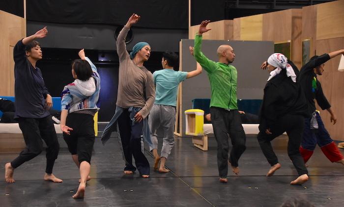 〈特に踊る〉ダンサーたち