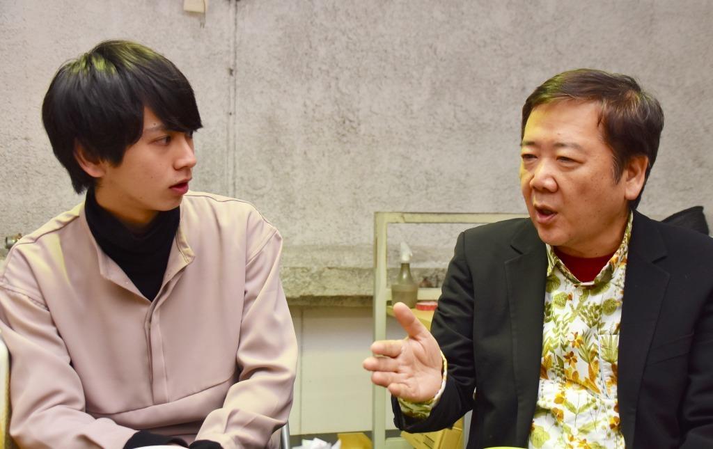 (左から)秋元龍太朗、鴻上尚史
