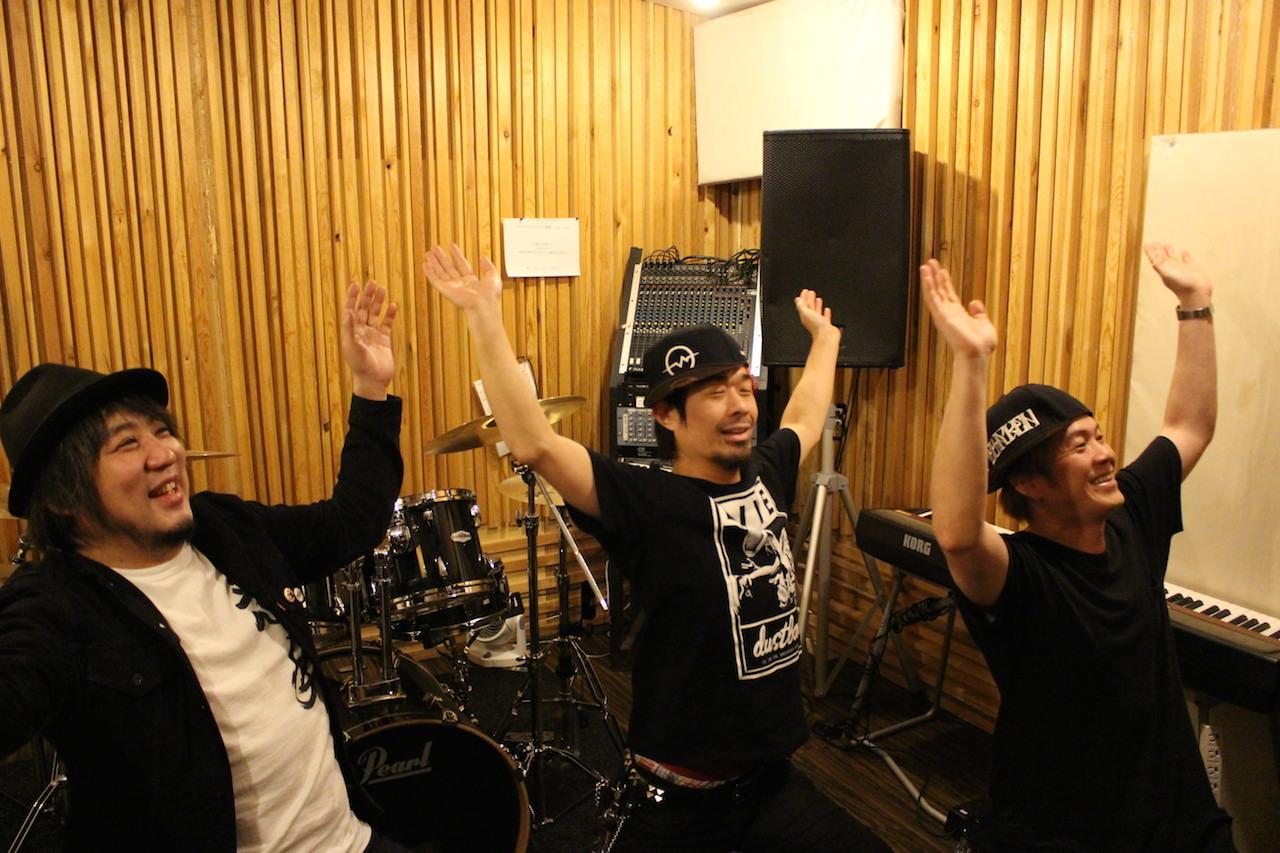 """""""スタジオdo-do"""" スタジオ内で堺っこ体操を披露してくれたメンバー"""