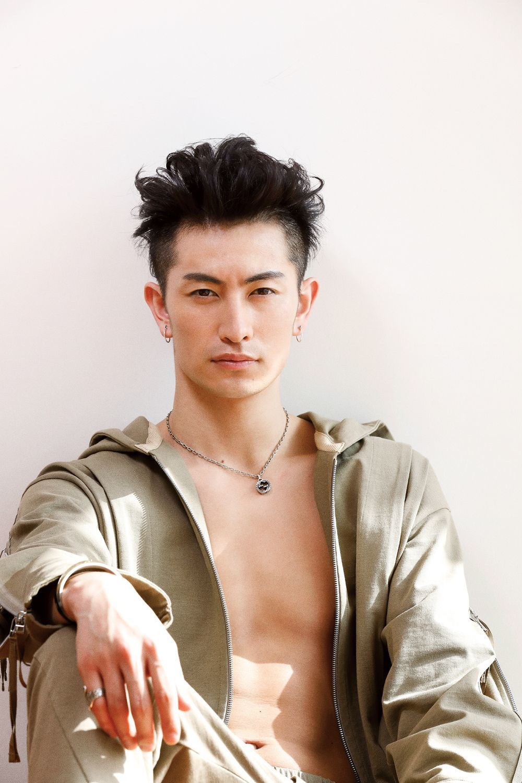 伊万里有がデビューシングルを配...