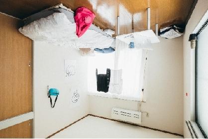 """現代美術家・加賀美健とHARE(ハレ)がコラボ ファッションアイテム""""トーキョーナンセンス″を発売"""
