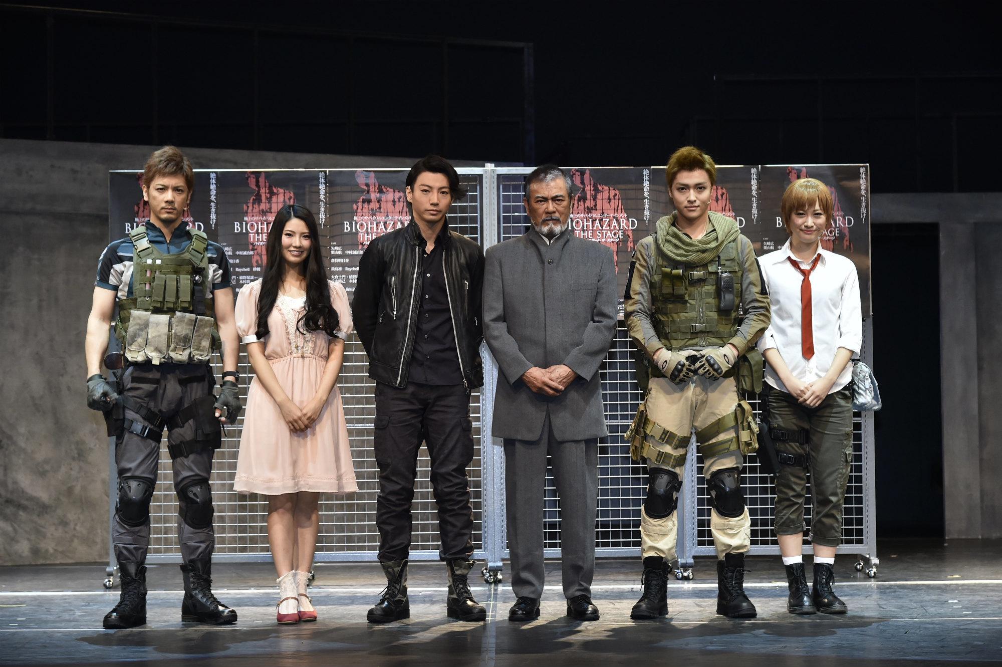 左から中村誠治郎さん、倉持明日香さん、矢崎広さん、千葉真一さん、栗山航さん、飛鳥凛さん。