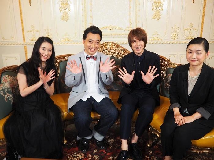 写真左から  小南満佑子 斉藤慎二(ジャングルポケット)浦井健治 町田麻子(ミュージカルライター)