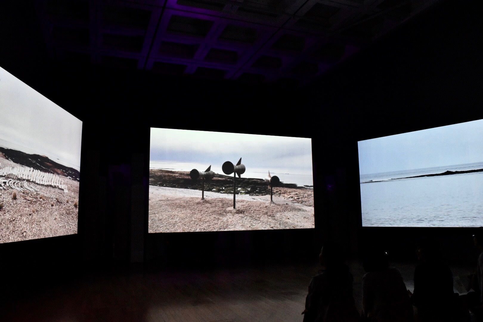 《ミステリオス》 2017年 「クリスチャン・ボルタンスキー −Lifetime」展 2019年 国立新美術館展示風景