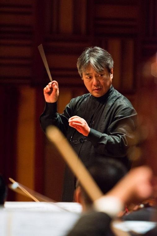 ベトナム国立交響楽団 音楽監督・首席指揮者 本名徹次  写真提供:KAJIMOTO