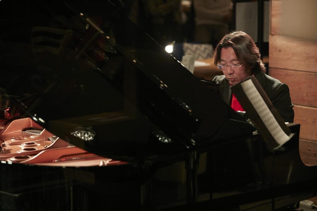碓井俊樹(ピアノ)