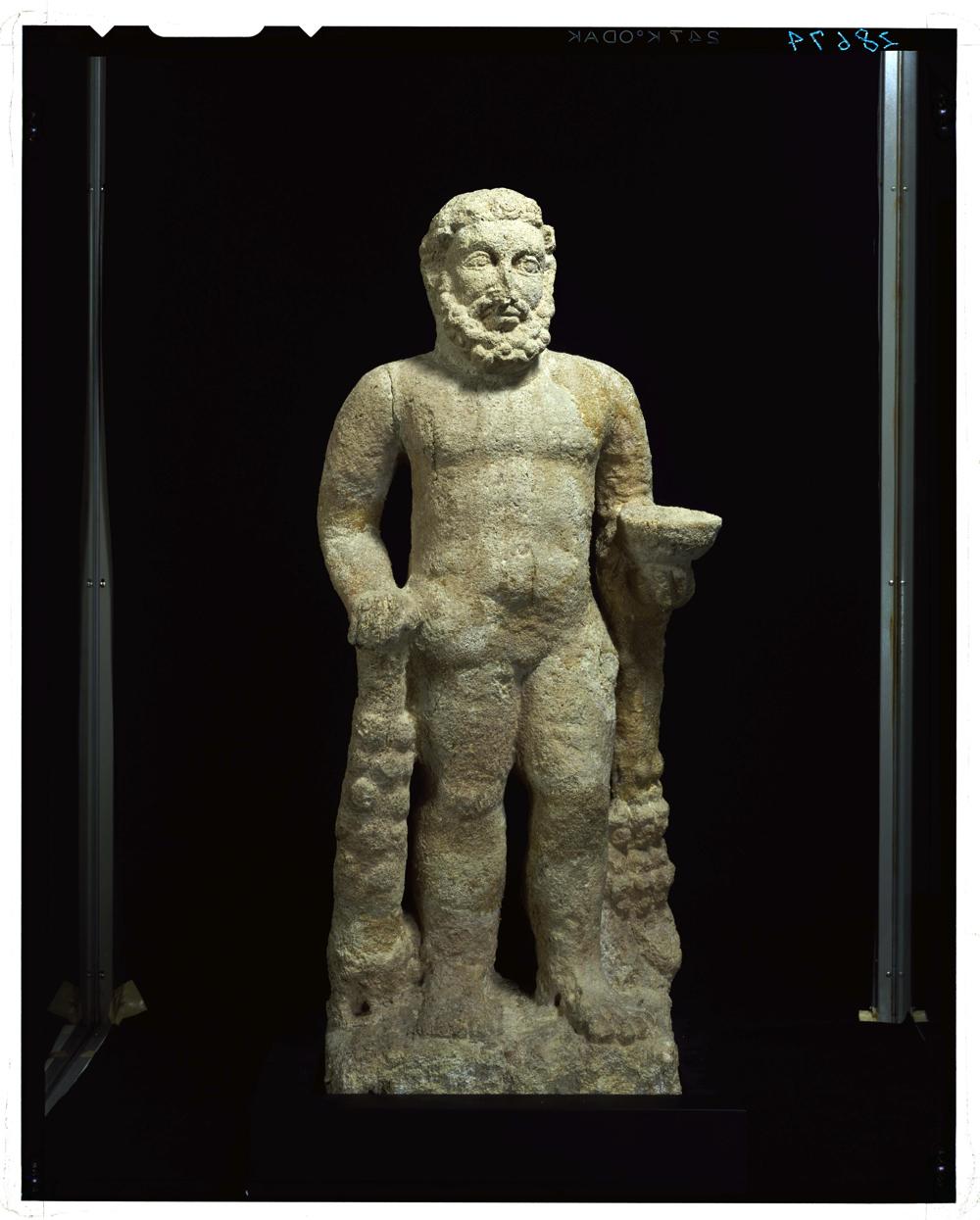 ヘラクレス立像:イラク、 ハトラ出土(東京国立博物館)