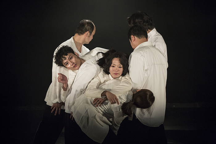 「ひとつの装置」 (C)Nah Seung-yeol, provided by National Theater Company of Korea ※前回公演より