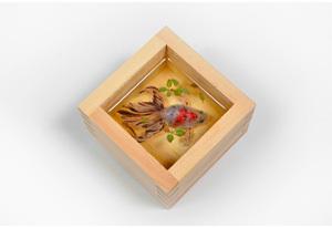 深堀隆介(ふかほり・りゅうすけ) 展示期間【Term2】7 月24 日-8 月13 日 参考作品※作品の購入方法に関しましては、http://www.spiral.co.jp/matsuri/ をご確認ください。
