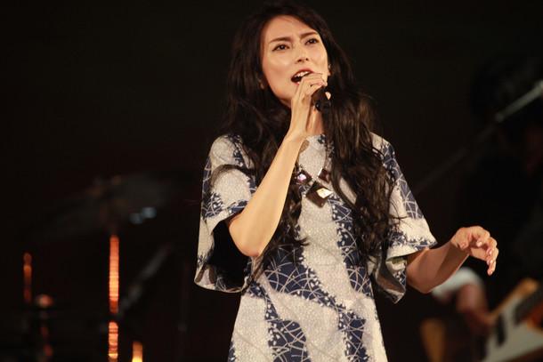 柴咲コウ「Ko Shibasaki Live Tour 2015『こううたう』」初日公演の様子。(撮影:アミタマリ)