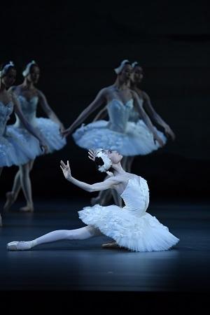 木村優里 「こどものためのバレエ劇場『白鳥の湖』」より  ©瀬戸秀美