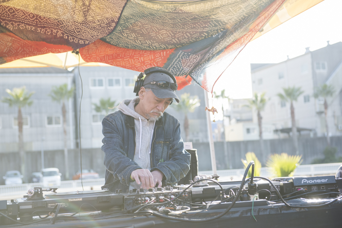 DJ AGEISHI 撮影=EL CURI-NHO