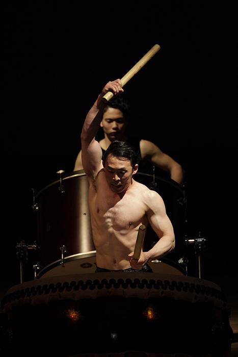 「螺旋」舞台写真(撮影:岡本隆史)