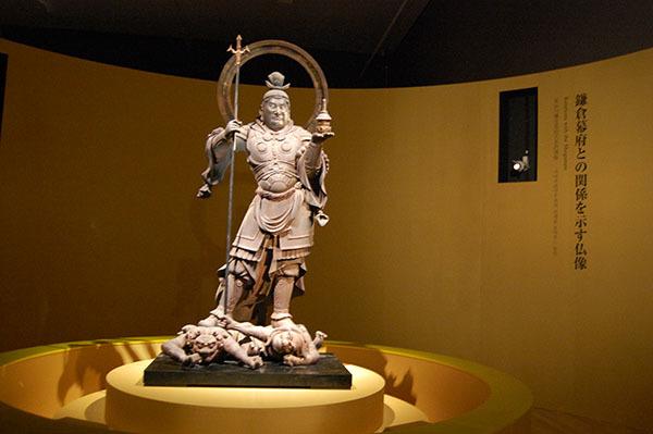 運慶作「毘沙門天立像」(1186年、静岡・願成就院所蔵)