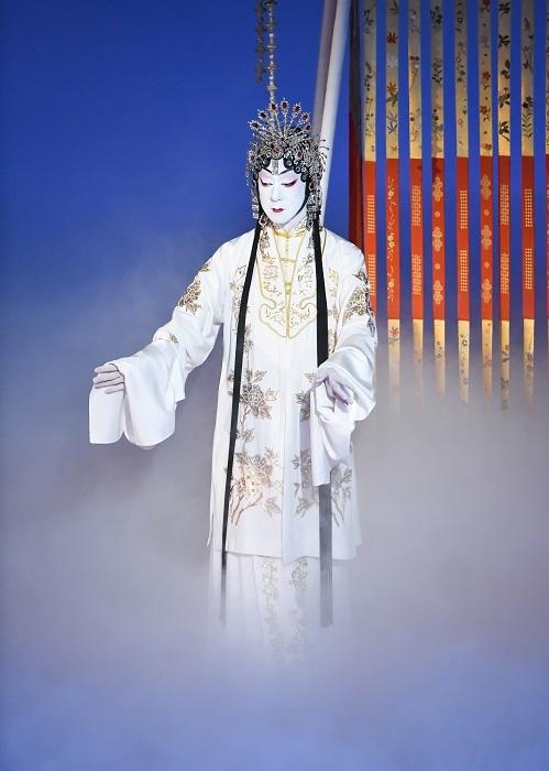 第四部『口上 楊貴妃』楊貴妃=坂東玉三郎 (C)松竹