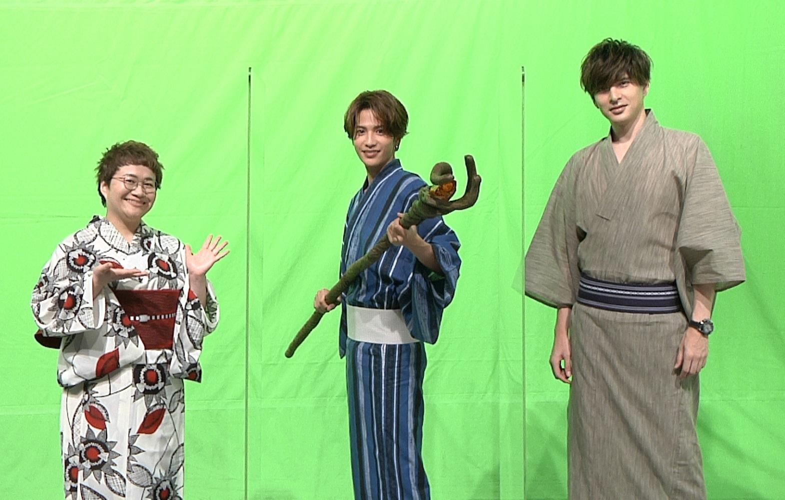左から、近藤春菜、志尊淳、城田優 グリーンバックを背景に