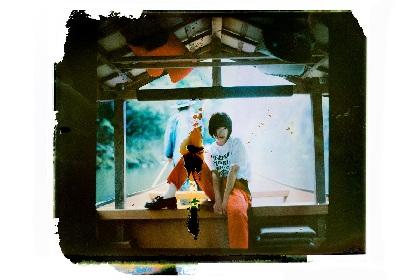 BiSHアユニ・Dのバンドプロジェクト、PEDROが1stアルバムから「猫背矯正中」MVフル公開