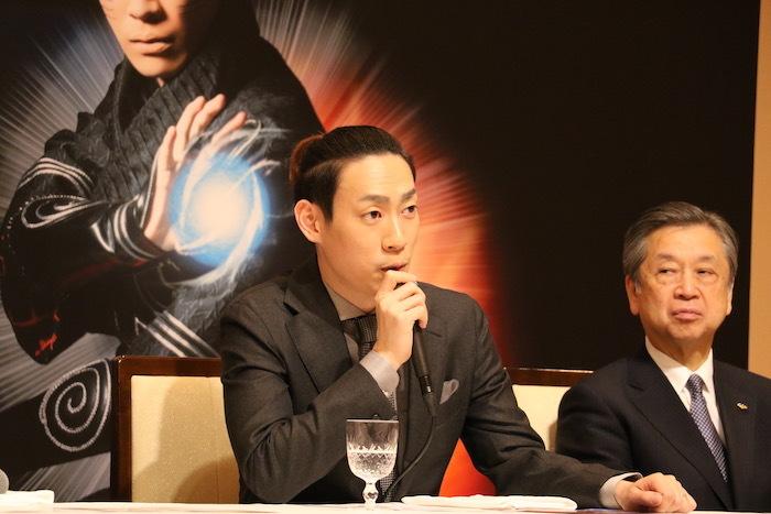 (左から)坂東巳之助、松竹株式会社 安孫子正副社長