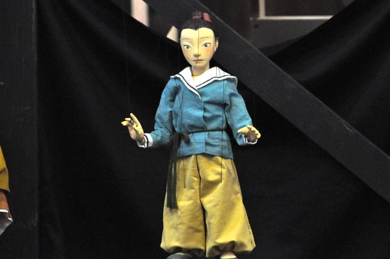 ごくノーマルな人間の人形の一人、『高丘親王航海記』春丸の人形。