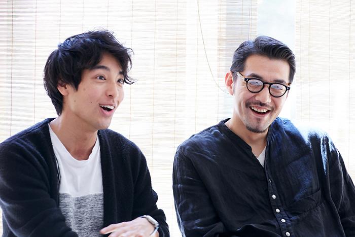 海宝直人(左)吉原光夫(右)『お月さまへようこそ』