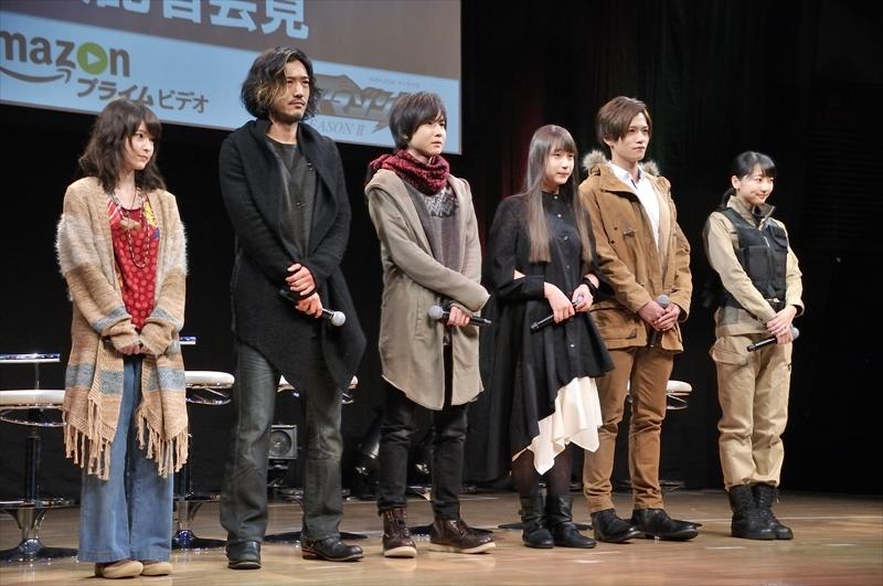 左より東 亜優、谷口賢志、前嶋曜、白本彩奈、藤田 富、武田玲奈