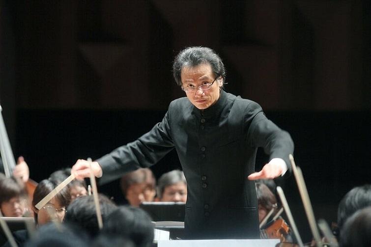 ザカレッジオペラハウス管弦楽団 正指揮者 牧村邦彦