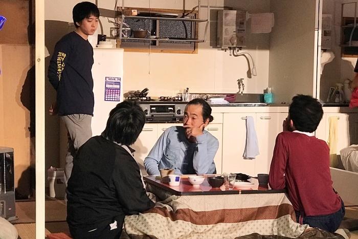 『笑顔の砦』漁師チーム。(左から)FOペレイラ宏一朗、野村眞人、緒方晋、井上和也。4人とも『ダークマスター』に引き続いての出演。