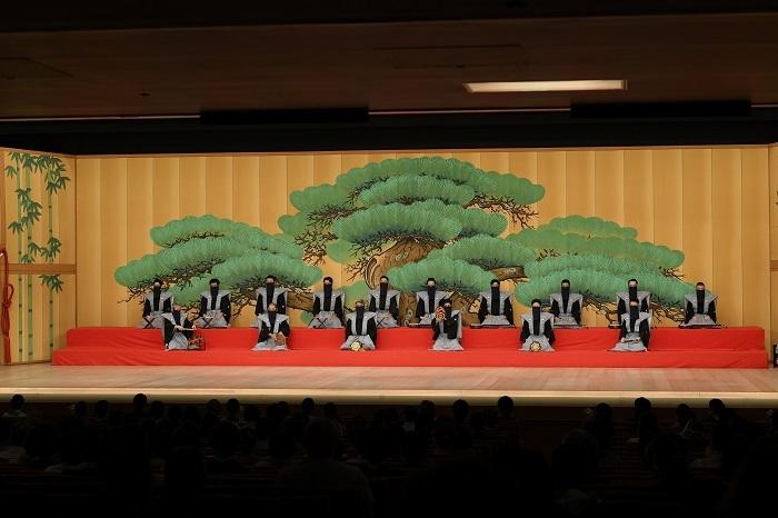 昨年8月に公演を再開した歌舞伎座。四部制のうち、第一部『連獅子』と第二部『棒しばり』は同じ松羽目の舞台 /(C)松竹