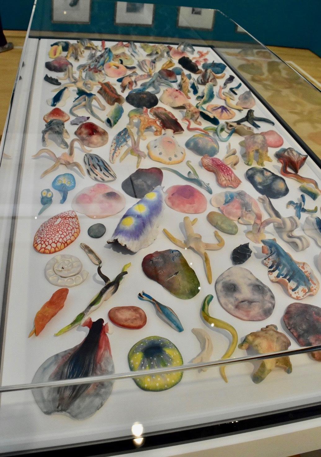 鴻池朋子 《素焼粘土》 2013年 素焼き粘土、水彩 ⓒ Tomoko Konoike