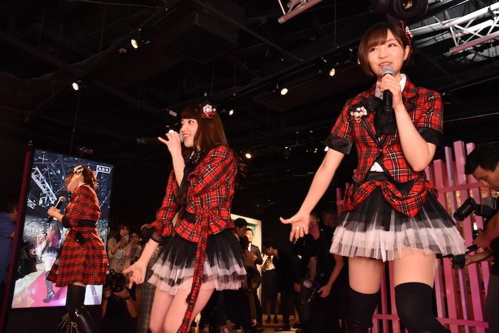 マダム・タッソー東京の新エリアオープンを祝うパーティーでは、元AKB48メンバーのそっくりさん「DREAM48」のミニコンサートも開催された