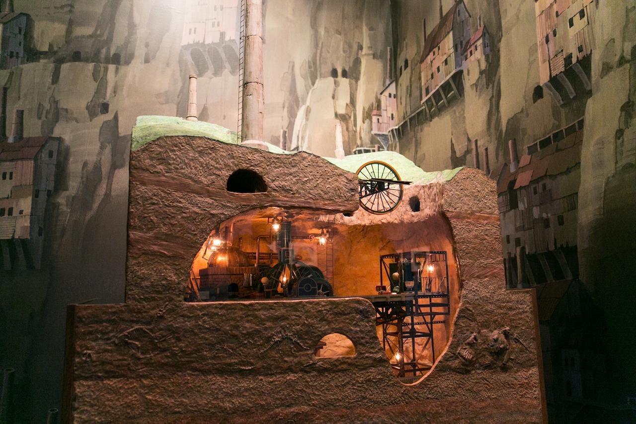 スラッグ渓谷鉱山 模型(天空の城ラピュタ) (C)1986 Studio Ghibli