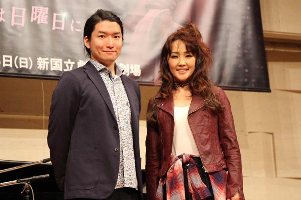 製作発表に臨む市川洋二郎(左)と濱田めぐみ(右)